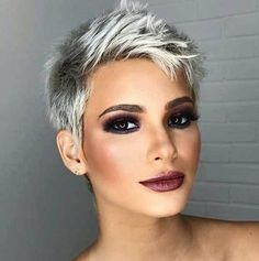 20 Chic Pixie Cuts You Should See Pixie cut is hot and if you get one it is a perfect way for you to stand out from the crowd. Do not rush to get a pixie cut since not all short haircut is… Super Short Hair, Short Grey Hair, Short Hair Cuts, Short Hair Styles, Short Hair Pixie Edgy, Long Pixie, Short Pixie Haircuts, Pixie Hairstyles, Short Hairstyles For Women