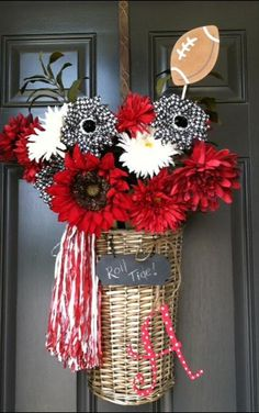 Just a little University of Alabama flair for the Willow Welcome Basket. Easy to do for any team! | www.imagine.willowhouse.com