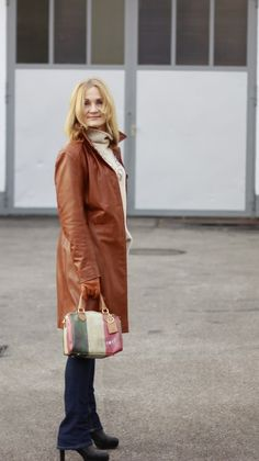 LEATHER COAT: IN NEW IT-COLOUR COGNAC