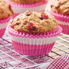 How to Bake Muffins Desserts Sains, Orange Muffins, Baking Muffins, Chocolate Chip Muffins, Health Desserts, Muffin Recipes, Dessert Table, Scones, Granola