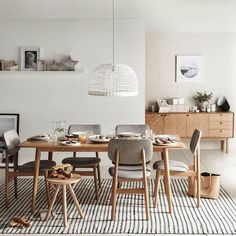 30 Nice Scandinavian Dining Room Decor Ideas - Now it is easy to dine in style with traditional Swedish dining chairs. Entertain friends as well as show off your wonderful Swedish home furniture. Dining Room Furniture, Dining Room Table, Retro Dining Chairs, Dining Sets, Coaster Furniture, Sofa Furniture, Freedom Furniture, Scandinavian Furniture, Scandinavian Dining Table