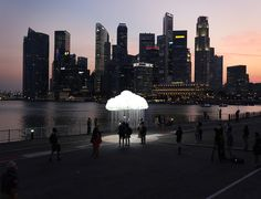 A Stunning Art Installation Built With 6000 Bulbs To Resemble A Life-Sized Cloud - DesignTAXI.com