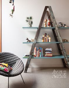 ladder bookcase #decor #estante...fill it with books and you have a home library!: