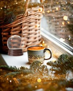 Christmas coffee time ☕️🌟🎄 - Enjoy a warming hot relaxing coffee during the Christmas rush ☕️🌟🎄 - Merry Christmas Gif, Christmas Coffee, Christmas Scenes, Christmas Mood, Christmas Images, Christmas Greetings, Vintage Christmas, Good Morning Coffee Gif, Good Morning Flowers Gif