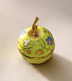 A FINE GOLD AND ENAMEL APPLE FORM WATCH LATE 19TH CENTURY