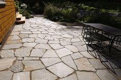 Desert Gold quartzite flagstone patio