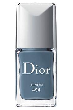 elle-blue-nail-polish-dior-1