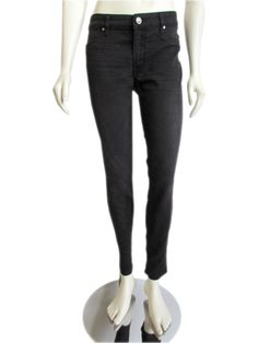 The perfect Rich & Skinny jeans, done in the lines signature light weight denim material and stylish