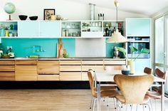 Danskt designat kök med vardagsrumskänlsa - Sköna hem