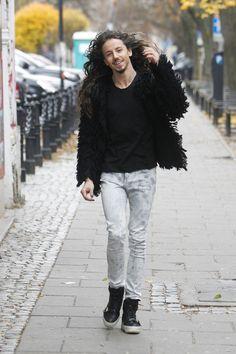 Michał Szpak wystąpił w Amsterdamie. Jak wypadł? - Teleshow - WP.PL Rory Kramer, Big Love, Blond, Idol, Handsome, Winter Jackets, Vogue, Music, Outfits