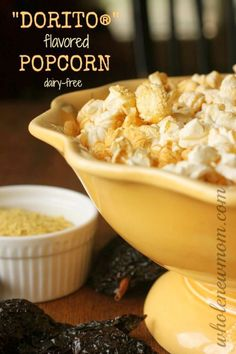 Like DORITOS® but don't like the chemical ICK? Make this Dorito Popcorn Recipe - Like eating Doritos, but without the chemicals! You could put the seasoning on chips too for DIY DORITOS®! Gourmet Popcorn, Healthy Popcorn, Flavored Popcorn, Popcorn Recipes, Popcorn Kernels, Cheese Popcorn, Vegan Popcorn, Spicy Popcorn, Side Dishes