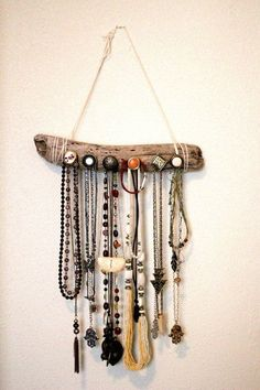 diy home decor - Creative Design Jewelry Organizer Wall Display Ideas Driftwood Jewelry, Driftwood Projects, Driftwood Art, Diy Projects, Jewelry Organizer Wall, Wall Organization, Jewelry Organization, Diy Jewelry Hanger, Necklace Hanger