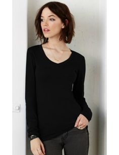 Prendas básicas de mujer -Camiseta blanca y otra negra  de algodón  resistente pero suave 4b5b7ffb6d54