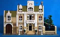 kevin8 (Mauro Cavinato) has added a garden extension to his stunning Modular City Mansion, providing a peaceful space to retreat from the hustle and bustle of the city. Packed with clever details a...