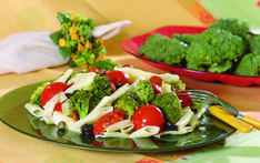 Bu makarna tarifleri bambaşka Broccoli, Chicken, Vegetables, Noodle, Noodles, Vegetable Recipes, Noodle Recipes, Veggies, Cubs