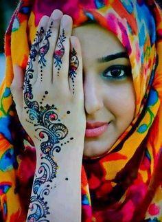 Beautiful Arab henna Mehndi and beautiful girl! We Are The World, People Of The World, Mehndi Tattoo, Henna Tattoos, Henna Mehndi, Henna Belly, Arabic Tattoos, Arabic Mehndi, Sexy Tattoos