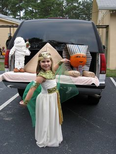 Different Trunk or Treat Idea