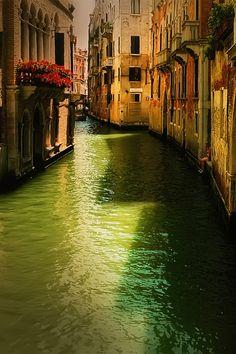 Italian-Luxury — italian-luxury:   Venice Italy by Rick