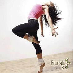 Si cuentas con poco tiempo para el ejercicio diario, no te desanimes. Crea un espacio en tu hogar para dedicarle al menos 30 minutos a una rutina de baile, cuerda y algo de peso. ¡Pon tu música favorita y diviértete mientras cuidas de tu salud! #TipsPronalce  #Pronalce #Avena #Wheat #Trigo #Cereal #Granola #Fit #Oats #ComidaSaludable #Yummy #Delicious #Tasty #Delicioso #Sano #HealthyFood #Breakfast #Protein