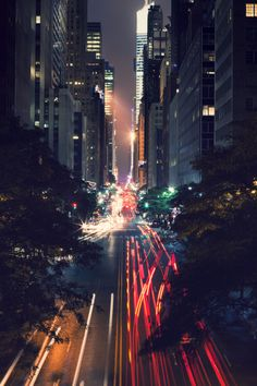 Darkness City Lights (New York City Feelings) Magic Places, Places To Go, Urban Photography, Landscape Photography, Nyc At Night, Night Shot, Design Light, Chrysler Building, City Limits