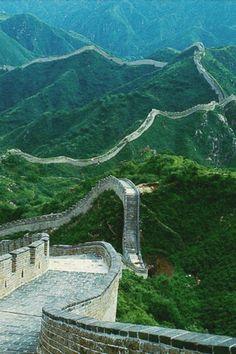 The Great Wall of China/ SANDRA & VERONICA WEDDING PLANNERS#TravelSavings #Adventure #TravelTips http://www.worldtraveltribe.com/travel-savings/