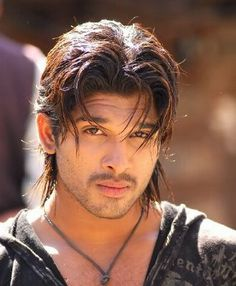 Allu Arjun is an Indian film actor known for his work in Telugu cinema, who is r.- Allu Arjun is an Indian film actor known for his work in Telugu cinema, who is referred to as Stylish star. Allu Arjun Hairstyle, Allu Arjun Wallpapers, Allu Arjun Images, Actors Images, Hd Images, Indian Bridal Outfits, Stylish Boys, Real Hero, Indian Movies