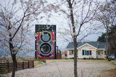 Dreamy Camera Cafe: uma cafeteria em formato de uma máquina fotográfica Rolleiflex gigante na Coréia do Sul.