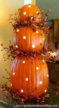 How to ..... Pumpkin Topiary with Lights | Amanda Jane Brown