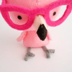 Pink flamingo plush softie with glasses by trepuntozerocivette, Funky Glasses, Happy Friends, Felt Birds, Everything Pink, Animal Pillows, Soft Dolls, Diy Stuffed Animals, Pink Flamingos, Diy Toys