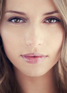 Natural Makeup Look How To - love these simple and effective tips for achieving a natural makeup look with the beauty products you have at home!