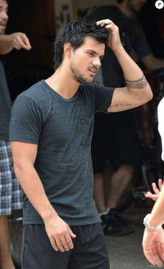 Exclusif - Taylor Lautner à New York le 19 juillet 2013