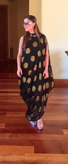 Western Girl Outfits, Western Wear For Women, Kurta Designs, Blouse Designs, Indian Dresses, Indian Outfits, Indian Designer Outfits, Dress Sewing Patterns, Draped Dress