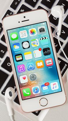 The Apple iPhone SE is the best choice if you're looking for a small, but powerful smartphone. The Apple iPhone SE is your best choice if you're looking for a small, but powerful smartphone. Apple Iphone, Iphone 5c, Iphone 8 Cases, Iphone 8 Plus, Iphone Unlocked, Tumblr Wallpaper, Iphone Wallpaper, Smartphone, Accessoires Iphone