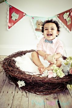 DIY newborn/baby photography nest. Inexpensive and simple to do for at home Easter pictures! Baby Easter