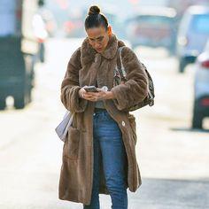 Sarah Jessica Parker Pulls a Carrie Bradshaw Fashion Moment
