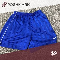 Nike large girls shorts Nike large girls shorts Nike Bottoms Shorts