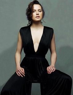 Daisy Ridley for Voyage English Actresses, Actors & Actresses, Girl Celebrities, Celebs, Daisy Ridley Hot, Celebrity Photography, Star Wars Girls, Female Reference, Hooray For Hollywood