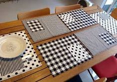 Ideas for kitchen table placemats simple - Table Settings Table Runner And Placemats, Quilted Table Runners, White Placemats, Place Mats Quilted, Deco Table, Mug Rugs, Table Toppers, Sewing Projects, Table Settings