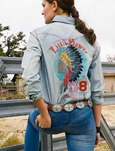 Double D Ranch Spring 2015 Princess Little Flower Workshirt! Country Girl Style, My Style, Country Chic, Double D Ranch, Classic Outfits, Western Wear, Westerns, What To Wear, Graphic Sweatshirt