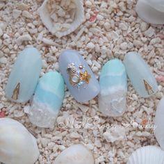 他のネイル画像4 1642473 スモーキー パステル 青 ビジュー ワンカラー マリン デート 夏 リゾート 海 ソフトジェル ハンド