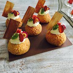 Guava and cream cheese Choux for my class in medellin #TagsForLikes #Bachour #bachourchocolate #bachourchocolatebook #bachoursimplybeautiful #chocolate #theartofplating #chefstalk #chefsofinstagram #gastroart #antoniobachour #bachour1234 by bachour1234