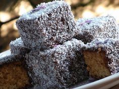 Kókuszkocka Hungarian Recipes, Hungarian Food, Pound Cake, Sweet Tooth, Goodies, Coconut, Chocolate, Baking, Childhood Memories