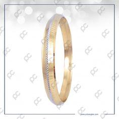 Mens Gold Bracelets, Jewelry Bracelets, Diamond Necklace Simple, Gold Jewelry, Jewellery, Gold Bangles Design, Gold Ornaments, Bracelet Designs, Cow Skull