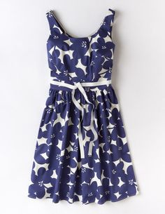 I've+spotted+this+@BodenClothing+Marilyn+Dress+Navy+Mono+Floral