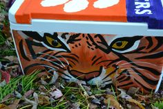 One item you are guaranteed to have at your Clemson tailgate is a cooler. Whether you're staying put at one tailgate, or walking around camp. Painted Fraternity Coolers, Frat Coolers, Diy Cooler, Coolest Cooler, Cooler Painting, Diy Painting, Hand Painted Coolers, Cool Stencils, Clemson Tigers