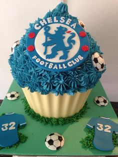 Giant Cupcakes - Chelsea Football Club Giant Cupcake