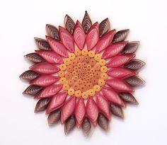 Quilling flowermiddle & petals holiday-ornaments by paper de Paper Quilling Tutorial, Quilling Paper Craft, Quilling Flowers, Quilling Cards, Paper Crafts, Mandalas Painting, Mandalas Drawing, Mandala Art, Quilling Videos