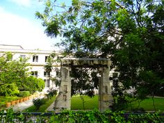 I Prefer Paris: Secret Marais Garden 2- Jardins des Archives Nationales