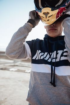 Discover the new Spring Summer 2020 collection for women and men at PULL&BEAR. Discover the latest trends in clothing, shoes and accessories. Marc Marquez, Motocross Couple, Dirt Bike Gear, Fake Photo, Valentino Rossi, Cute Couples Goals, Biker Girl, Bike Life, Motogp