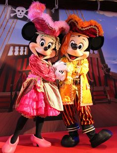 Pirate Minnie and Pirate Mickey